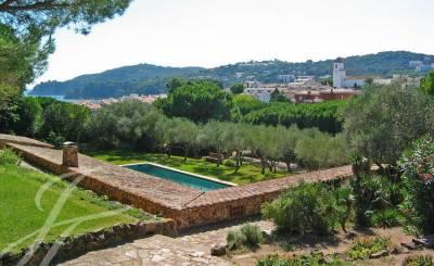Arrendamento de curta duraçāo Villa Girona